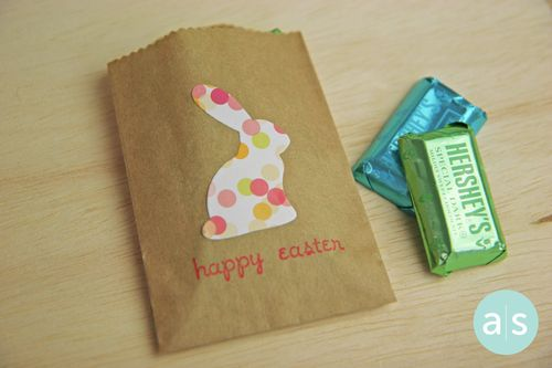 A Muse Studio Easter Treats Kraft bunny bag hor