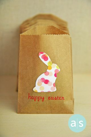 A Muse Studio Easter Treats Kraft bunny bag vert