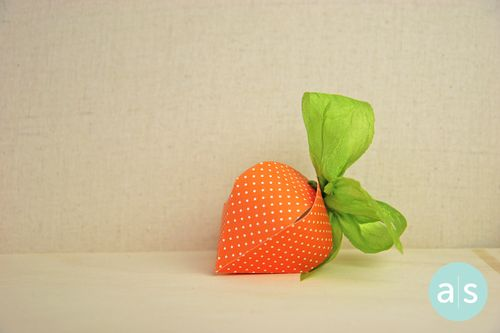 A Muse Studio Berry Box as Carrot hor