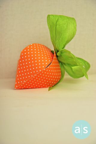 A Muse Studio Berry Box as Carrot vt